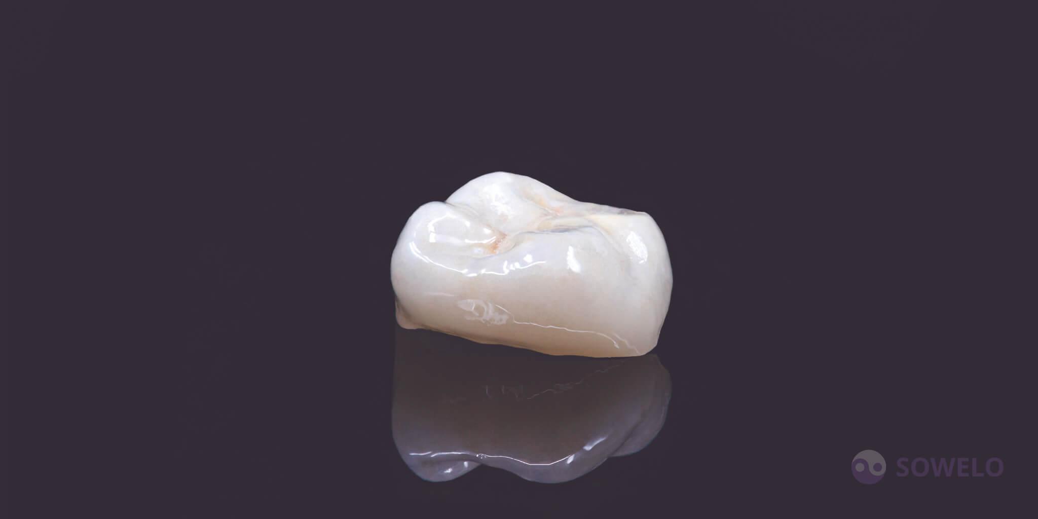 Cirkon zobna prevleka